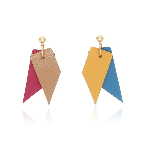 Ribbon Leather Earring - P